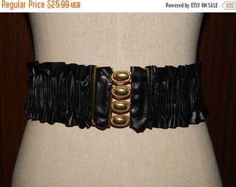 On Sale 80s Black & Gold Tone Stretchy Belt