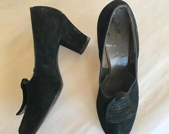 AWAY SALE 20% off vintage 1940s shoes- BELL suede peep toe pumps / sz 8.5