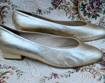 HERMES Shoes Vintage HERMES shoes vintage 1960 Wedding Hermes Shoes Hermes Gold short Heels Pumps