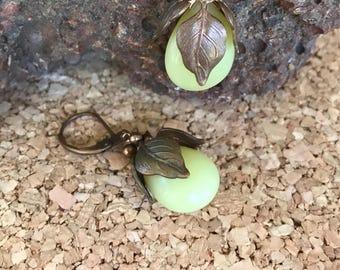 Vintage Jade and Bronze Leaf Dangle Earrings