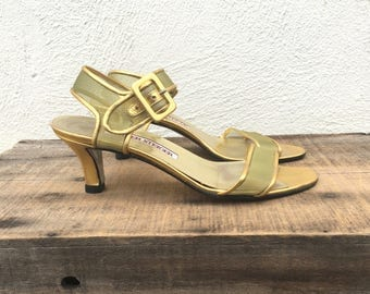 80 90s Walter Steiger Gold Mesh Kitten Heel Modern Minimal Leather Buckled Sandals Ladies 7