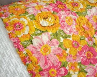 Vintage Flower Power Twin Bedspread or Coverlet Beautiful!