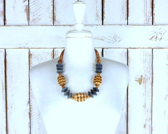 Vintage chunky wood bead necklace/wooden tribal/boho/festival necklace/large wood bead necklace
