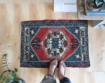vintage Turkish rug, rustic geometric faded tiny rug, happy bohemian door mat, meditation rug, bath mat