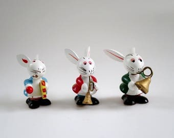 Vintage Easter Bunny Cake Toppers, Mini Bunny Rabbit Band Figurines, Wooden Rabbit Mini Figurines, Kitsch Cup Cake Toppers, Putz Dollhouse