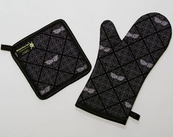 Gothic Bats Damask Oven Mitt and Pot Holder, Sets and Singles, Black and Gray, Halloween Kitchen, Goth Punk Housewares, Victorian Bats