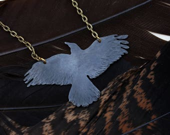 Antiqued Brass Raven Crow Bird Flying Necklace Pendant Jewelry Raven Pendant Raven Necklace Raven Flying Gift Idea Ritual Remains Gift