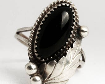 Black Onyx Ring, Sterling Silver Ring, Ring Size 6.75, Black Onyx Engagement Ring, Black Onyx Jewelry, 925 Navajo, Silver Feather Ring, 6934