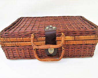 Vintage Picnic Basket | Small Picnic Hamper | Small Wicker Suitcase | Rattan Basket | Wicker Lunch Box | Wicker Case