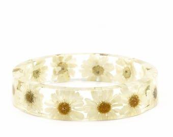 White Daisy Bracelet -White Flower Bracelet-White Jewelry -White Resin Jewelry-White Flower Jewelry- Modern Flower Child