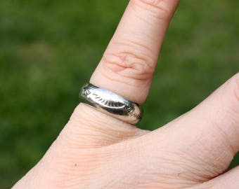 Vintage Native American Sterling Silver Ring - Vintage Silver Ring - Sterling Band - Midi Ring - Wedding Band - Pinky Ring - Ring Size 5