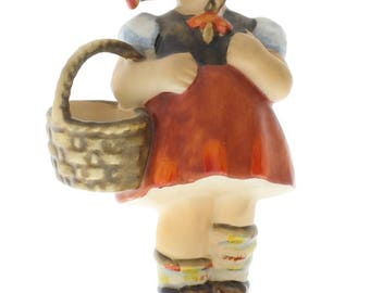 Goebel Hummel Figurine #96 Little Shopper Girl with her Market Basket TMK 5