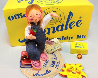 Vintage Annalee Doll Society 1993 Membership Kit Student with Apple Original Box