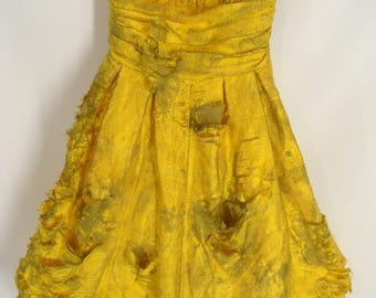 BLOOD OPTIONAL. Post Apocalyptic Wasteland Dress. Zombie Girl Dress. Short Yellow Strapless Zombie Prom Dress. Halloween Costume. size 0 XS