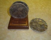 lot 4 vintage wendell august aluminum pinecone coasters wood holder