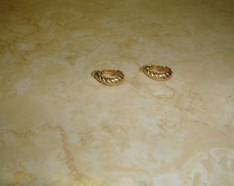 vintage clip on earrings goldtone half hoops
