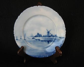 RXC (Rosenthal) Versailles Delft Germany 6 1/2 Inch Porcelain Wall Plate Windmill & Farm Scene