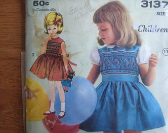 ADVANCE Pattern 3137 Child's Dress with Smocked Bodice Transfer for Smocking Included       1960's       Uncut