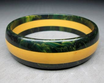 Layered bakelite bracelet , marbled green , non marbled yellow