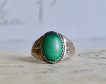 Vintage Native American Malachite and Sterling Ring - Size 9