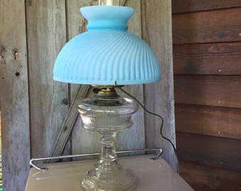 Vintage oil lamp electrified