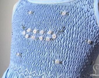 Smocked dress in blue daisy 4t