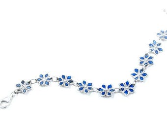 Blue Shaded Flower Bracelet