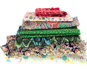 Vintage Fabric Scrap Pack Cotton Fabric Assortment of Vintage Fabric Scraps Assorted Floral Prints and Designs Sewing Quilting Patchwork