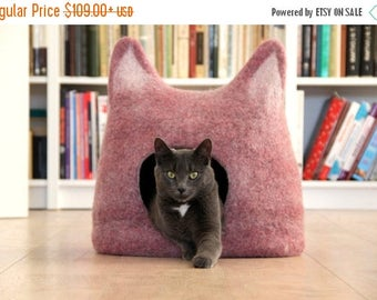 Cat bed - cat cave - cat house - ecofriendly handmade felted wool cat bed - light purple natural white - made to order - unique gift
