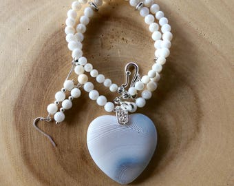 18 Inch White Striped Agate Beaded Heart Necklace with Earrings