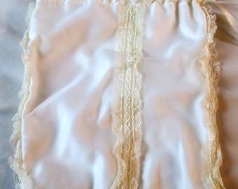 """Free Ship cont USA Vintage Bride's Purse Handbag wristlet Envelope bag White w Lace & drawstring...9 x 13"""""""