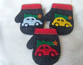 VW Bug With Christmas Tree on Gray Felt Mitten Christmas Ornament/Gift Card Holder - 100% HANDMADE