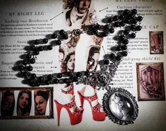 Chaplet Rosary cabochon Alice in Wonderland on the other side of the mirror ♠Alice♠ countries