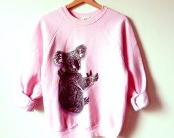 Vintage Koala Pullover Sweatshirt / 80s Cozy Pastel Sweater / Bold Pink Animal Sweatshirt / Pastel Kawaii