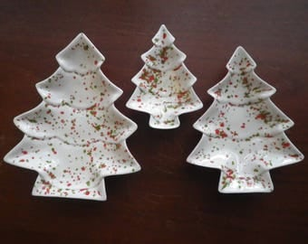 Set of Four Funky Nesting Christmas Tree Shaped Dishes Orange Speckled Perfect for Relish Trays Vintage