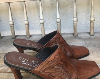 Vintage womens leather mules, brown cognac, spanish mules, carved, summer mules, cow girl boots, slip ons size 9