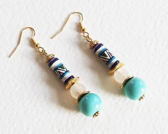 Boucles d'Oreilles Ethnique Chic - Afrique Bleue - Perles Céramique, Quartz Blanc, Métal doré - Bijoux créateur, fait-main, pièce unique