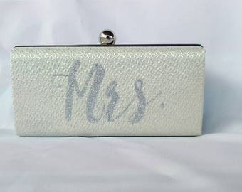 Pearl Monogrammed Wedding box clutch/ Glitter gold purse/ Bridal minaudiere/ Bridal shower gift/ Mrs purse clutch/ Personalized gift for her