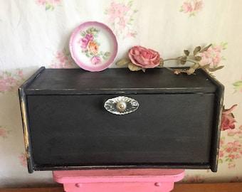 Black Bread box - Vintage breadbox - Upcycled - Chalk painted black - Cottage style - Shabby Chic bread storage - Kitchen storage - WOOD BOX