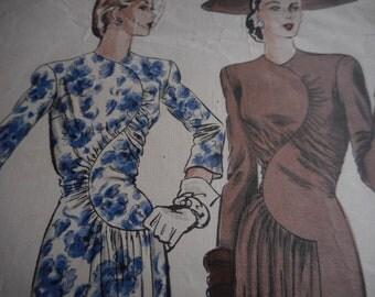 RARE Vintage 1940's Vogue No. 383 Couturier Design Dress Sewing Pattern Size 14 Bust 32