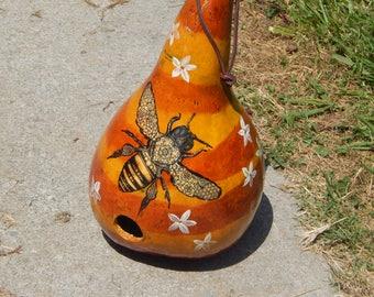 Birdhouse Gourd w/Bee Design