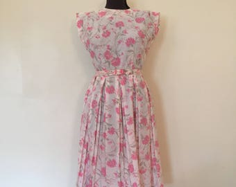 White Floral Dress / Sm/Med / Vintage Floral Dress