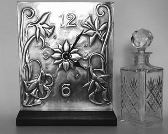 Daffodil Mantle Clock