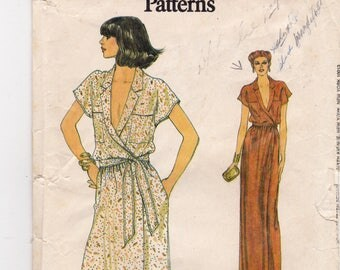 "FF 1970s Very Easy Vogue 7381 Wrap Dress Plunging Neckline Maxi Midi Women's Vintage Sewing Pattern, Size 10-12 Bust 32.5""-34"", UNCUT"