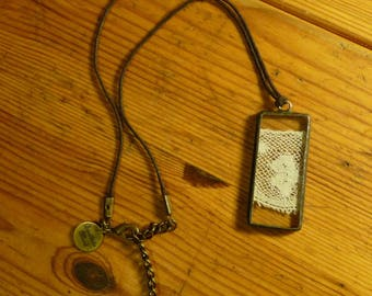 Rectangle pendant - 20 - antique lace and glass