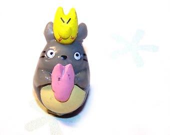 TOTORO miniature avec Totoro jaune 30x11 mm en plastique