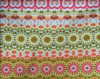 Tissu patchwork a motifs géométrique rose, vert, jaune et orange n° 2