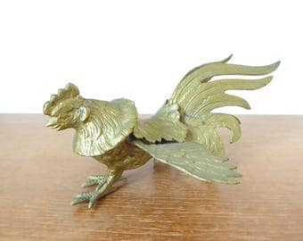 Asian fighting rooster, brass toned metal