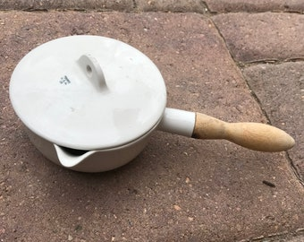 Vintage COORS USA White Porcelain Casserole with Original Stamped Lid and Wooden Handle, Coors, Golden, Colorado Chemistry Laboratory Pot