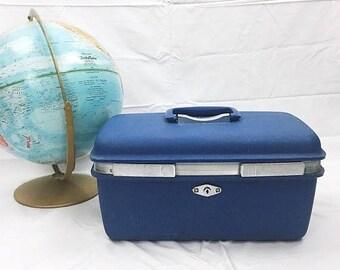 SUMMER SALE Vintage Samsonite Royal Traveller Blue Train Case